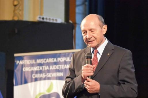 Traian Băsescu îl contrazice pe Klaus Iohannis