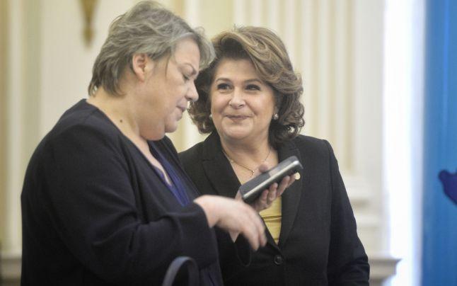 Shhaideh şi Plumb rămân în guvern ca să-l salveze pe Dragnea