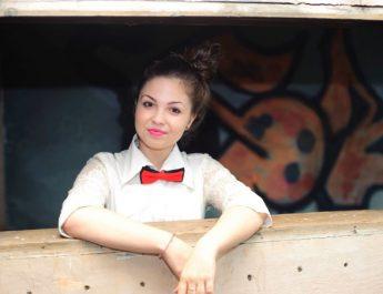 O fată de 17 ani din Lugoj s-a sinucis după o despărțire