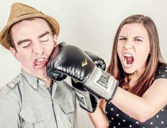 Scădere stres. Mirosirea hainelor persoanei iubite