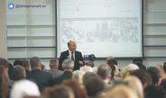 Băsescu s-a supărat pe CCR şi-i dă un pont lui Iohannis