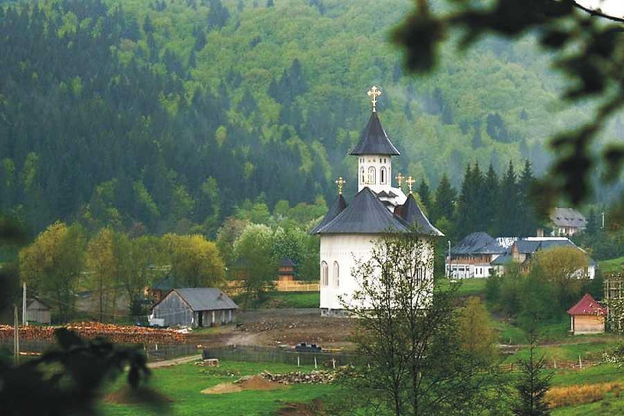 Arhiepiscopul Pimen va fi înmormântat la Mănăstirea Sihăstria Putnei