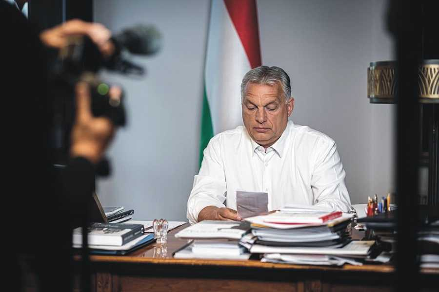 """Viktor Orban, replică pentru Klaus Iohannis: La nevoie ridicăm mănușa. """"Provocare sau accident"""""""