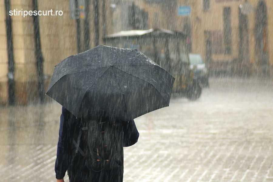 Atenționare meteo de ploi și furtuni, până duminică noapte
