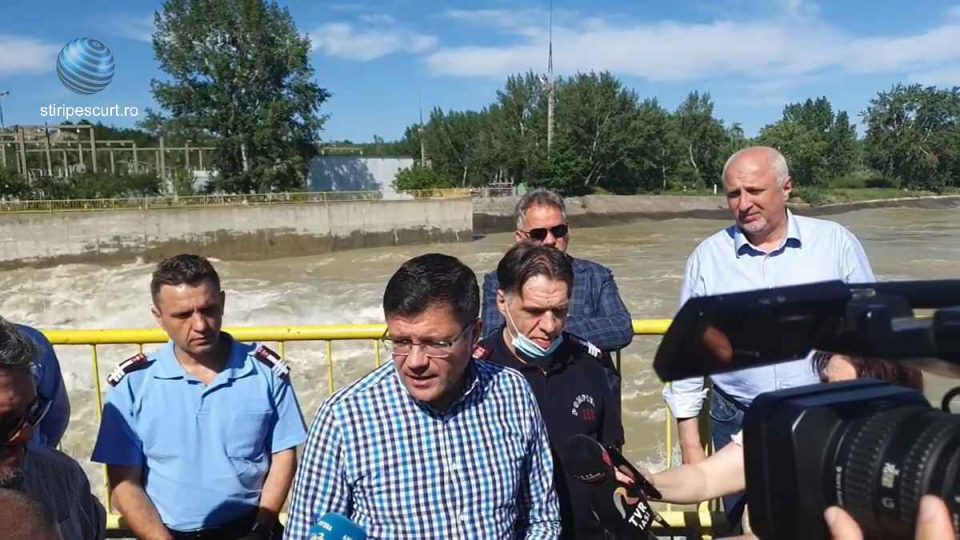 Sprijin guvernamental pentru românii afectați de inundații. Cine sunt beneficiarii, conform ministrului Alexe