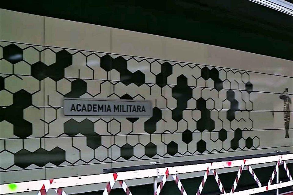 Metrou Drumul Taberei - stația Academia Militară