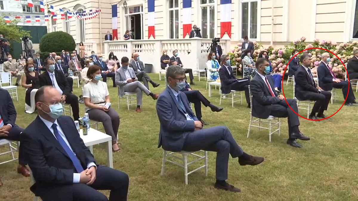 Ciolacu, singurul invitat de la Ambasada Franței care i-a sfidat pe toți: nu a purtat mască