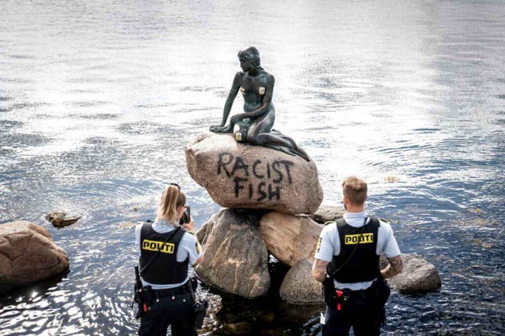 Mica Sirenă, vandalizată. foto: Facebook, thelocal.dk