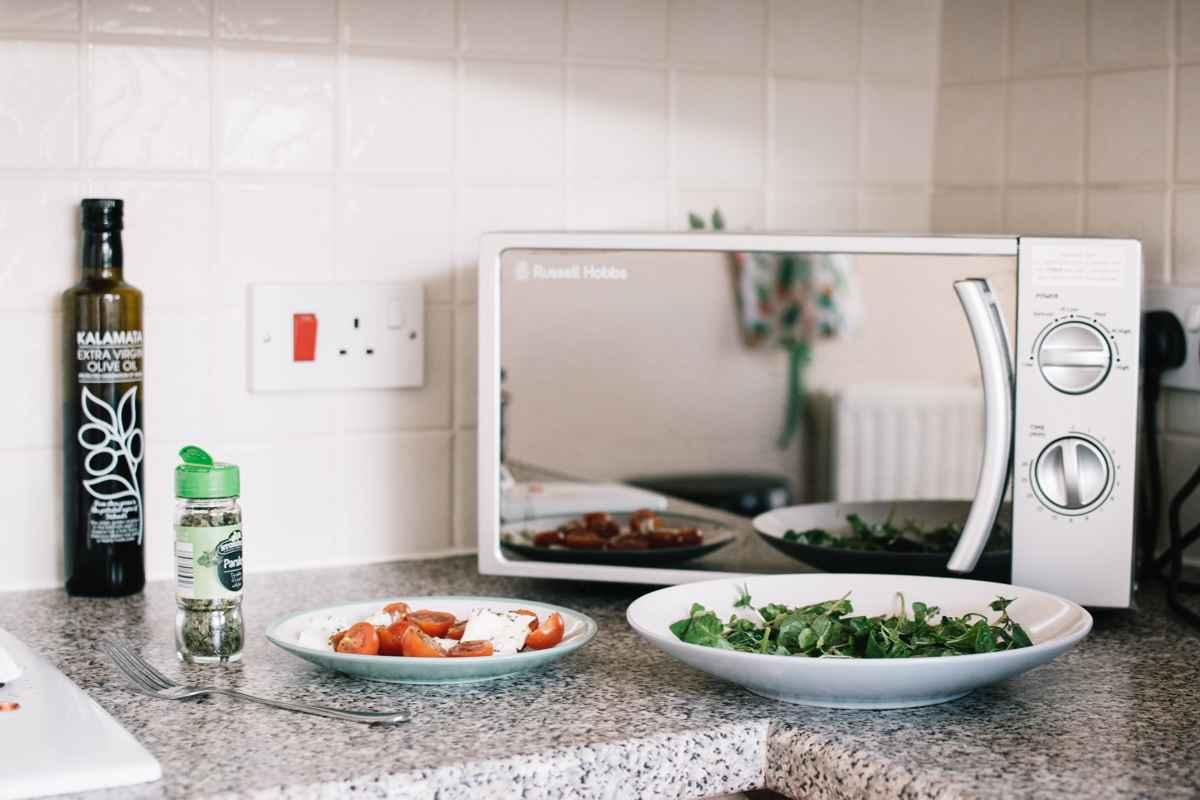 Pericolele din cuptorul cu microunde