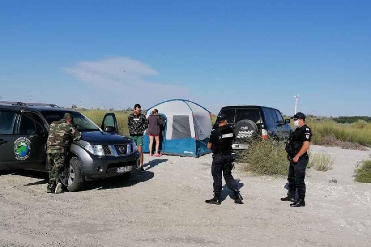 Plajele Vadu, Corbu și Midia luate cu asalt de turiști. A curs cu amenzi, dintr-un motiv banal