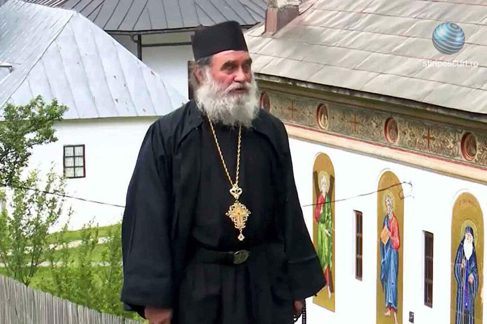 Părintele Arhimandrit Laurențiu Popa, răpus de COVID. Preotul s-a infectat la o reuniune de la Mănăstirea Cozia