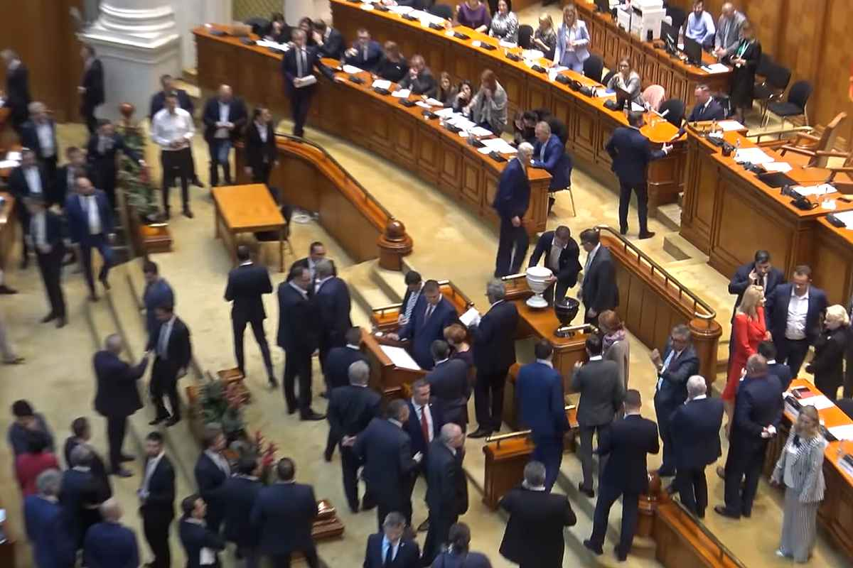Când trebuie votată moțiunea? Augustin Zegrean dă peste cap planurile PSD