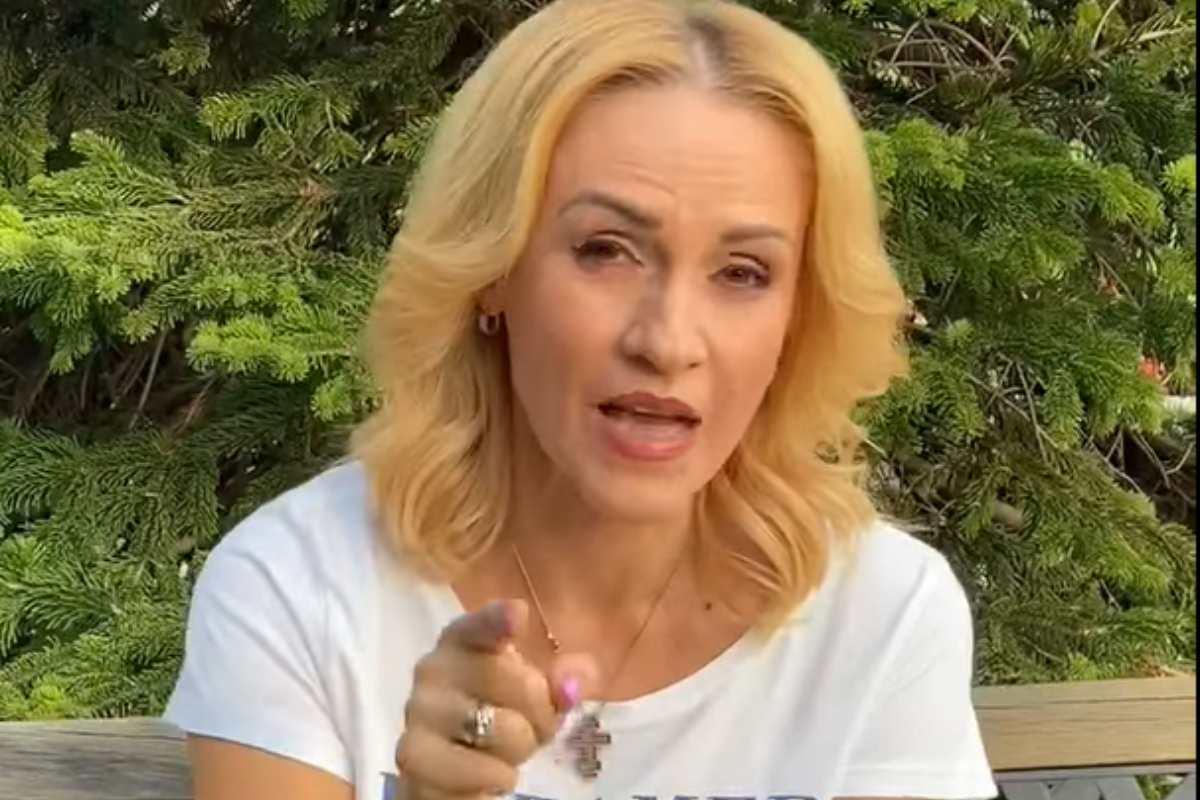 Gabriela Firea, ultima intervenție în calitate oficială: Sunt mai dureroase cuţiţele înfipte în spate. Va urma o perioadă dificilă pentru mine