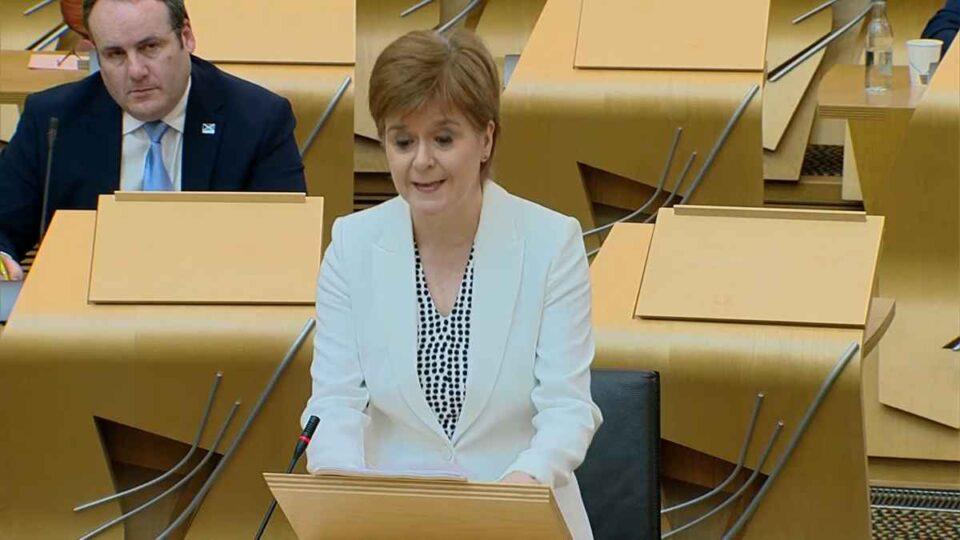 Premierul scoţian Nicola Sturgeon anunță un proiect de lege cu privire la organizarea unui nou referendum asupra independenţei Scoţiei.