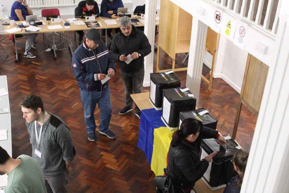Alegeri locale 27 septembrie: Se poate vota și cu buletin expirat. Ordinea oficială a candidaților pe buletinele de vot