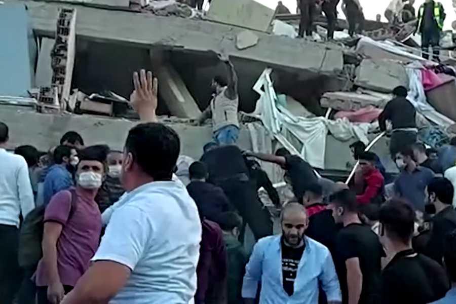 Cel puţin patru morţi şi 120 de răniţi în Turcia, în cutremurul de la Marea Egee, anunţă Guvernul turc