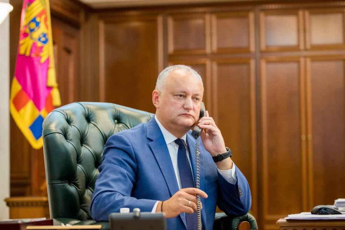 Preşedintele în exerciţiu Igor Dodon, considerat un prorus