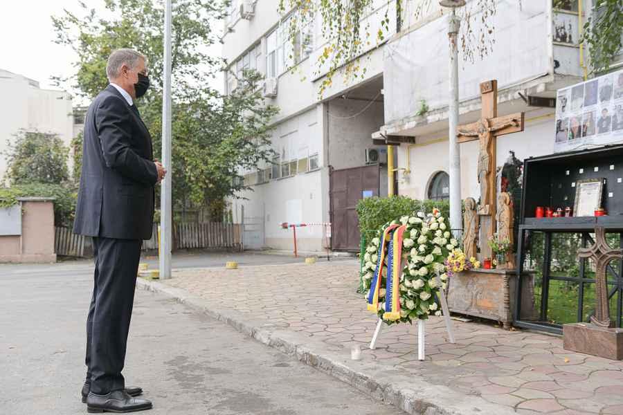 Preşedintele Iohannis a promulgat legea care permite decontarea tratamentului pe toată durata vieţii victimelor de la Colectiv