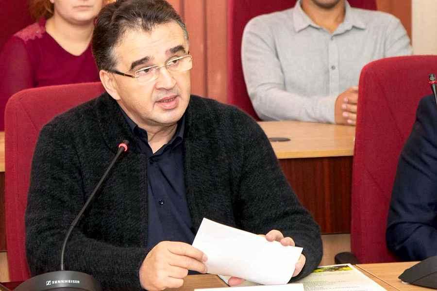 Marian Oprişan, mână moartă în Consiliul Județean Vrancea: Să vedem dacă e în stare de ceva