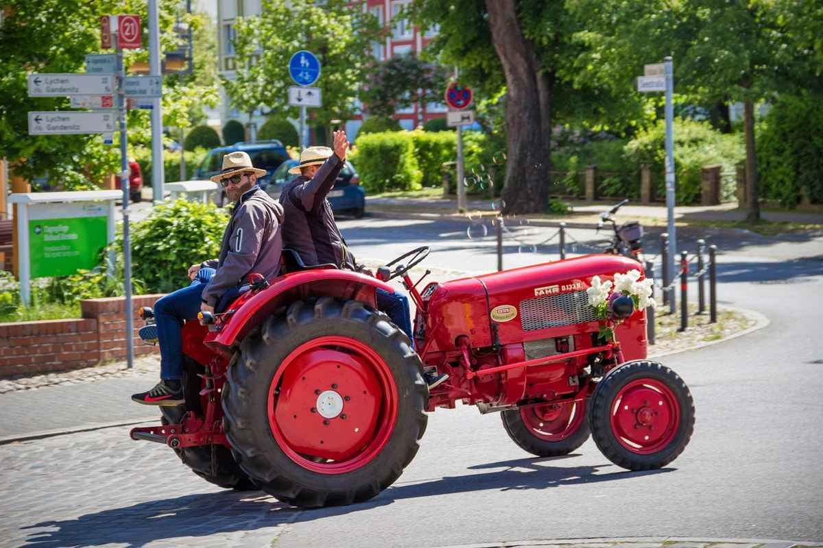 Lege: Vehiculele rutiere lente vor putea fi înregistrate la RAR #stiripescurt