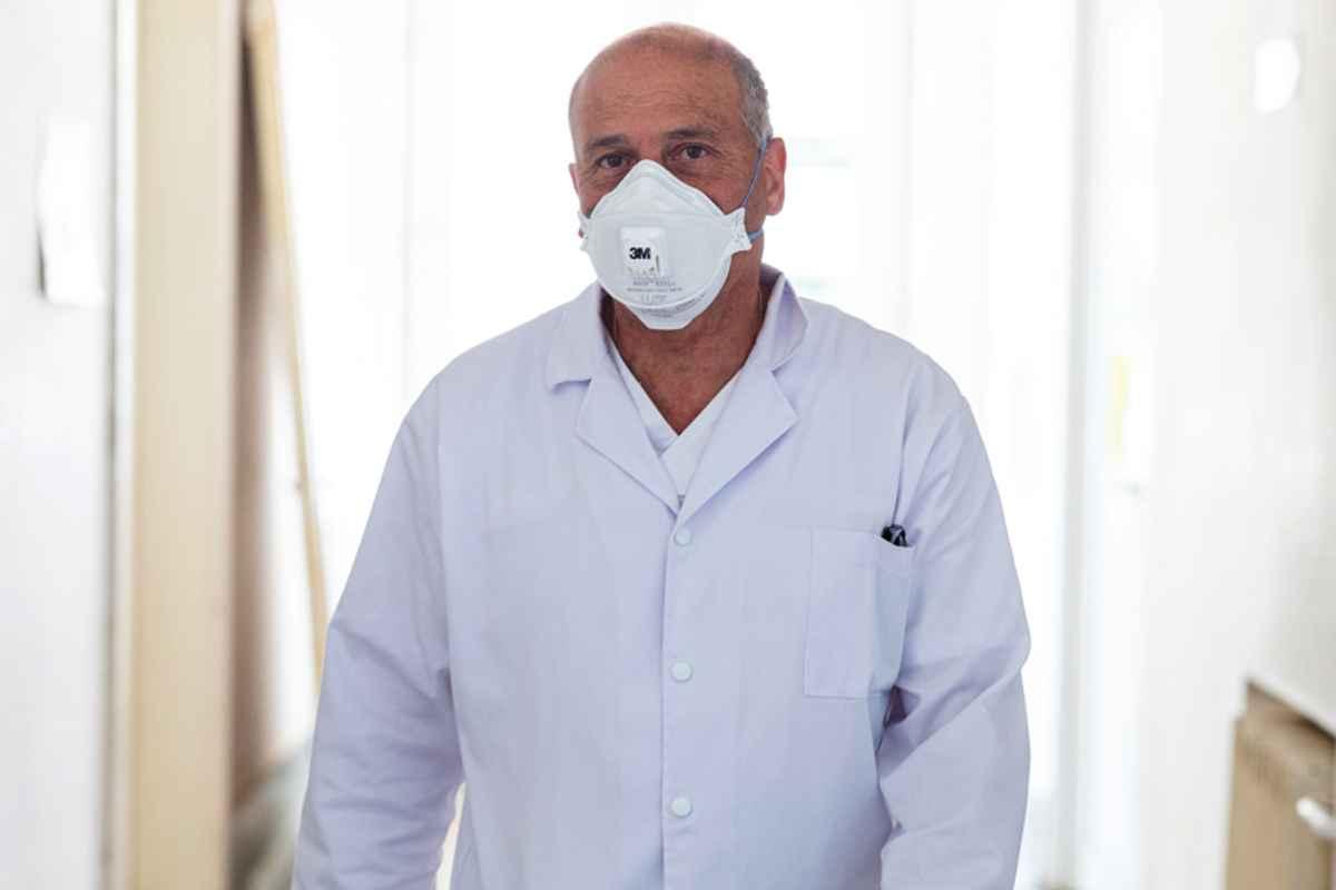 dr. Virgil Musta, șeful secției de Boli infecțioase de la Spitalul Victor Babeș din Timișoara
