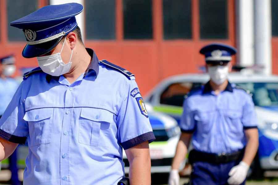 Un poliţist diagnosticat cu COVID-19 a murit. Sindicatul Europol: Domnule Vela, câţi poliţişti trebuie să mai ucidă acest virus ca să luaţi decizia?