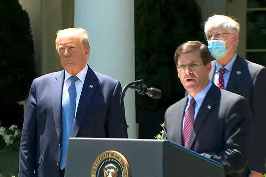A început epurarea la Casa Albă - Trump l-a concediat pe secretarul Apărării Mark Esper