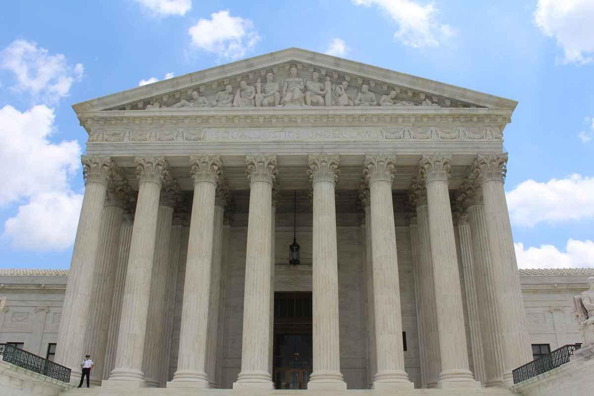Curtea Supremă a SUA a respins procesul intentat de statul Texas privind invalidarea rezultatelor alegerilor prezidenţiale