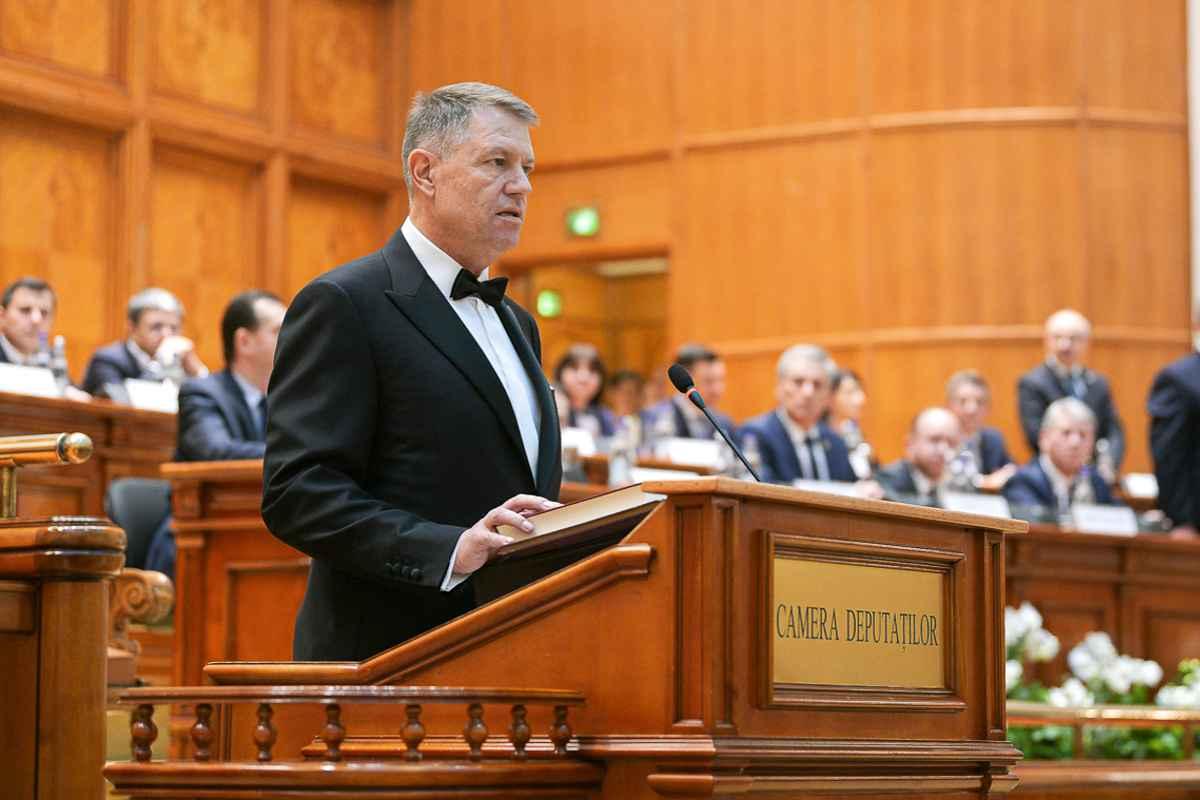 Iohannis: Pe 6 decembrie folosiţi cu înţelepciune puterea uriaşă a votului!