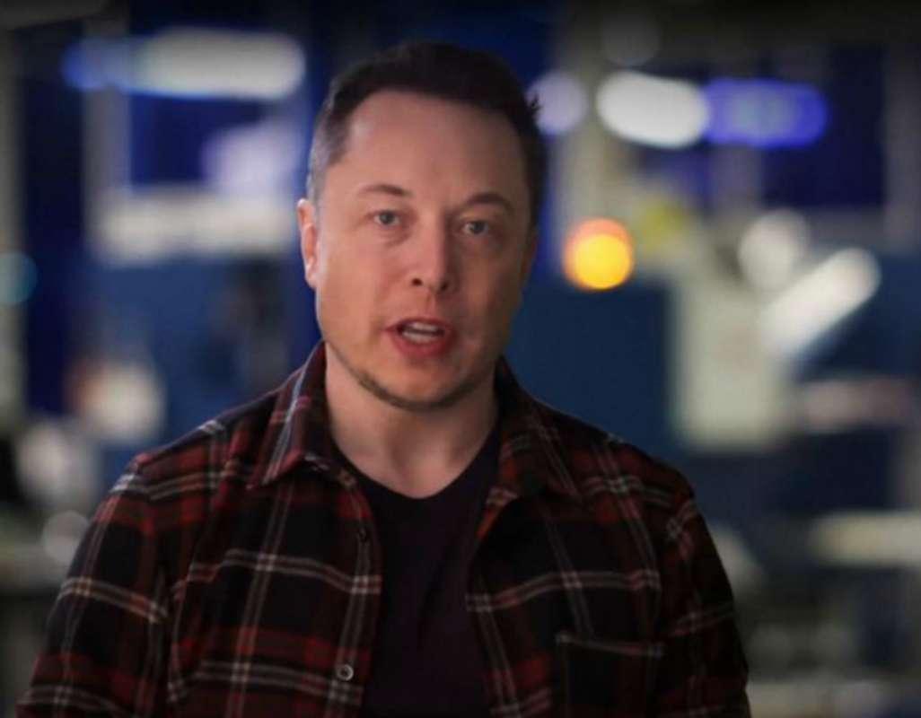 Elon Musk, la un pas să-i ia fața lui Jeff Bezos