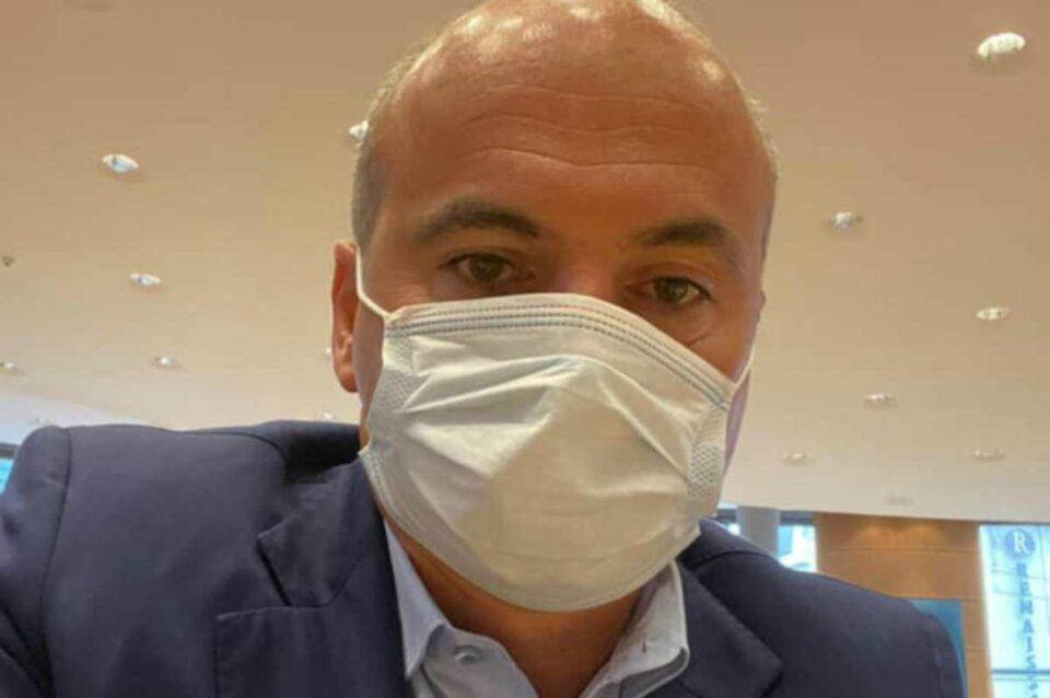 Rareș Bogdan îi cere lui Vlad Voiculescu să demită vinovații, în cazul bătrânului căzut pe holul Spitalului Corabia