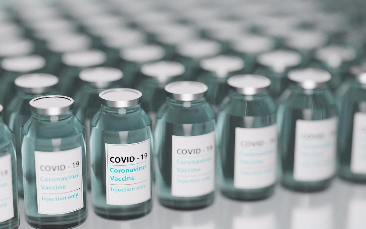 AstraZeneca ar putea fi dată în judecată de statele europene, dacă nu respectă termenele livrărilor de vaccin