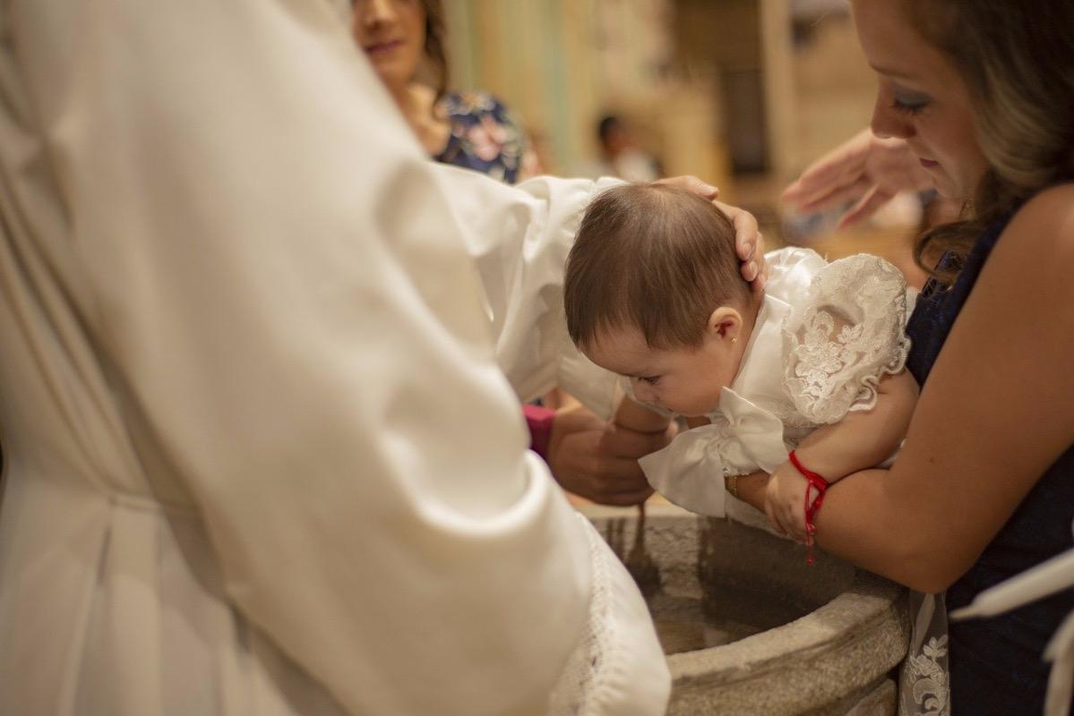 ÎPS Teodosie, în ciuda faptului că a murit un bebeluș, este ferm în privința ritualului de botez: Dacă este o rânduială de două mii de ani, aceea rămâne valabilă