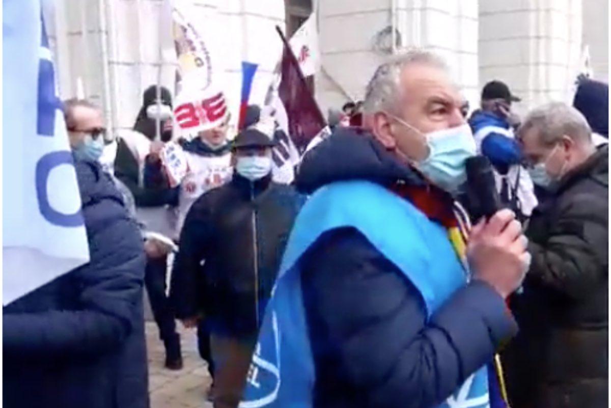 Sindicaliștii Cartel Alfa protestează la Ministerul Finanțelor. Ei cer salarii decente și pensii echitabile