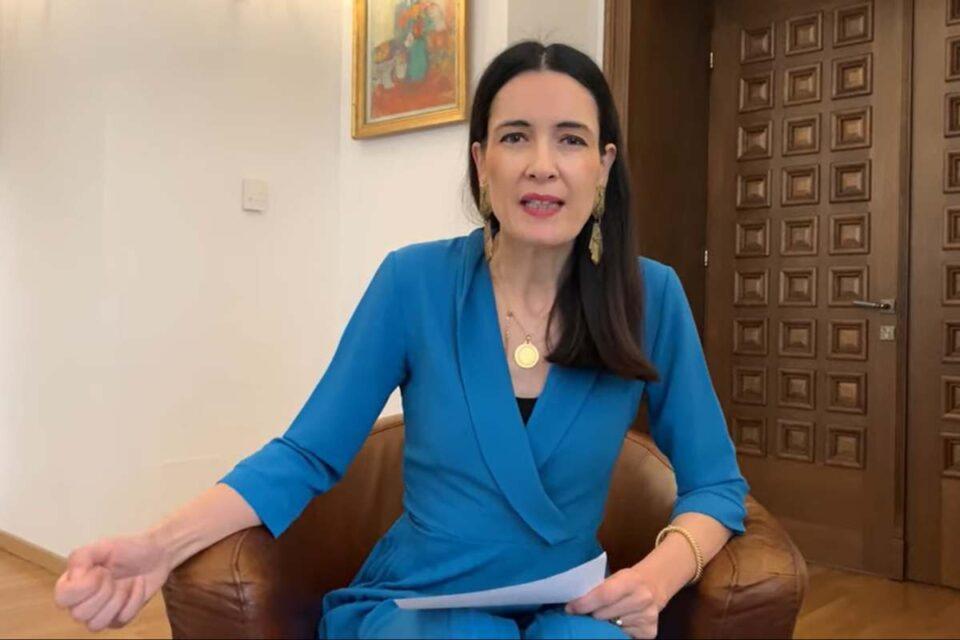 Clotilde Armand dezvăluie cum se aruncă, la propriu, cu bani, în funcționarii de la Urbanism Sector 1