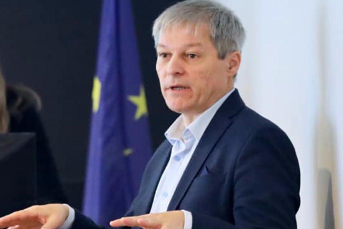 Cioloş propune ca, la eliminarea pensiilor speciale, să se înceapă întâi cu parlamentarii și primarii
