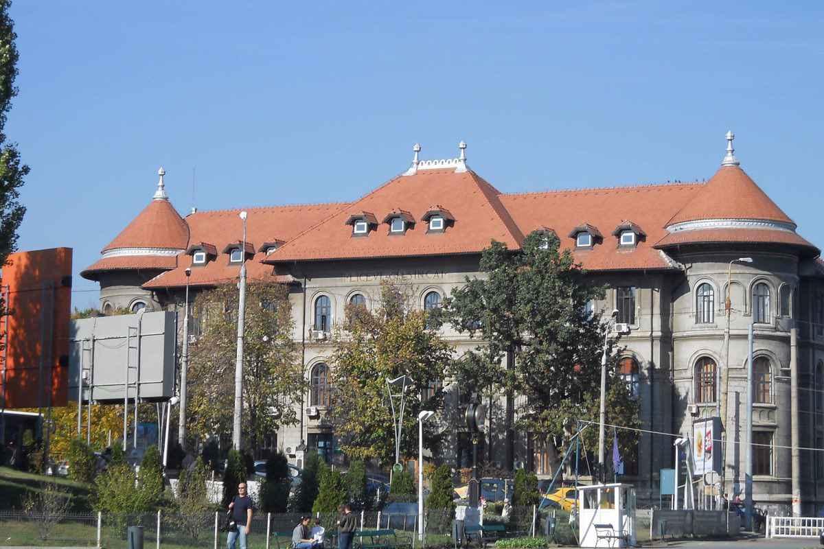 Cîmpeanu intervine în scandalul 'Șincai' și dă asigurări că nu va reloca colegiul în acest an