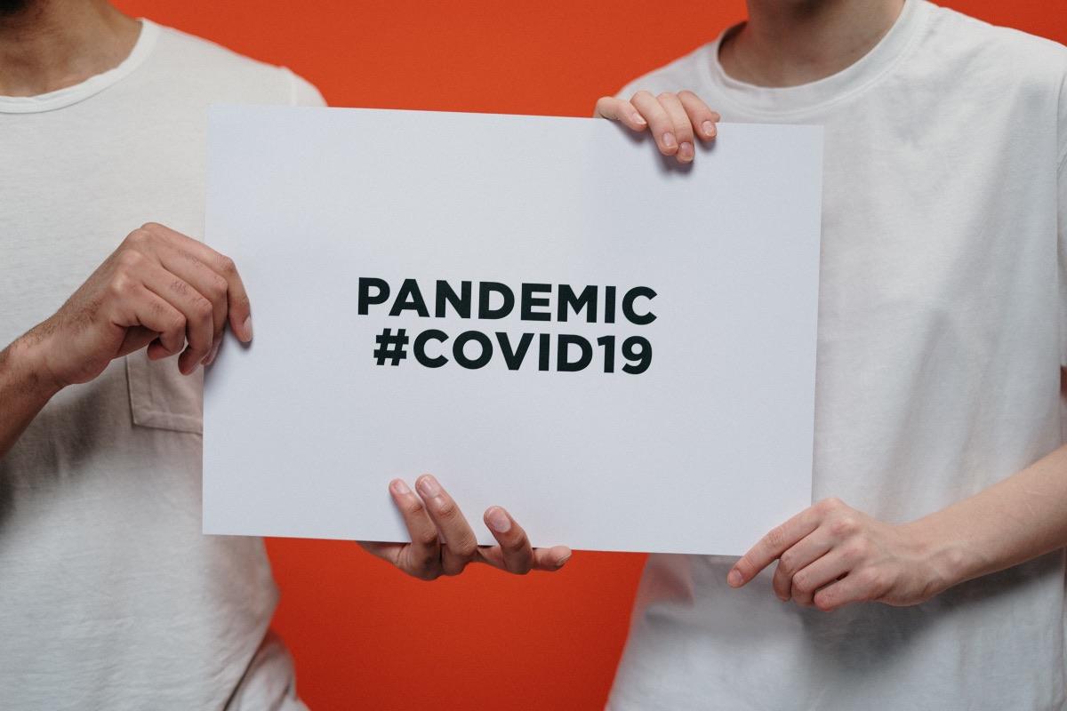 3.382 de cazuri noi de COVID și peste 100 de decese, înregistrate în ultimele 24 de ore