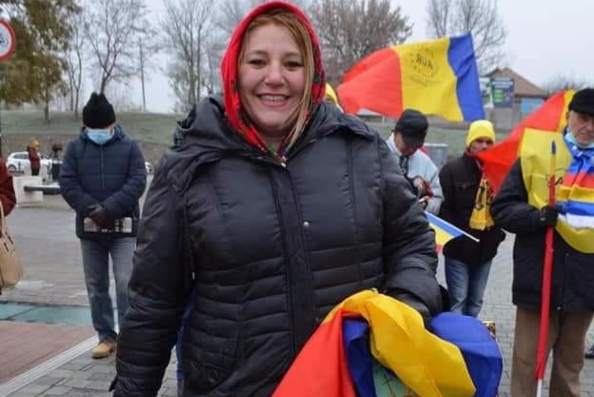 Iată ce soluție a găsit Șoșoacă pentru a posta pe Facebook, după ce a fost blocată