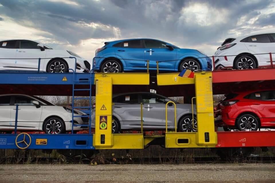 Ford România a suspendat producţia la fabrica din Craiova. Vezi de ce