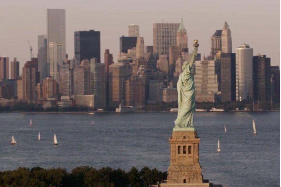 Guvernatorul New York-ului, acuzat de hărţuire sexuală de două foste angajate