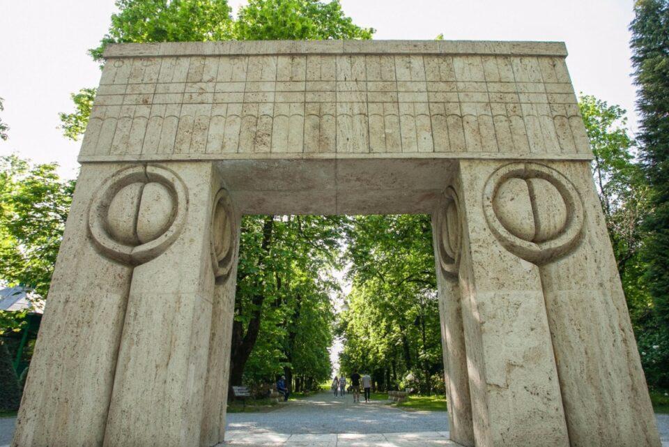 Ansamblul de la Târgu Jiu, pe cale să intre în Patrimoniul UNESCO