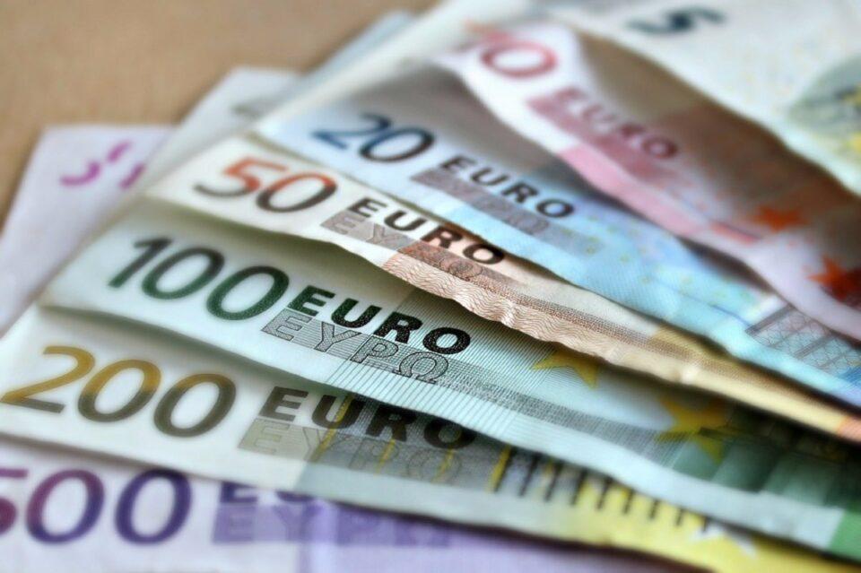 Euro a urcat până la cer. Iată ce valori arată cursul BNR
