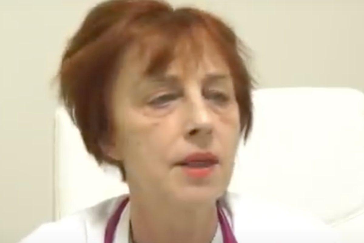 Medicul pneumolog Flavia Groșan, care a afirmat că tratează bolnavi de COVID după scheme de tratament proprii, audiat, luni, la Colegiul Medicilor Bihor