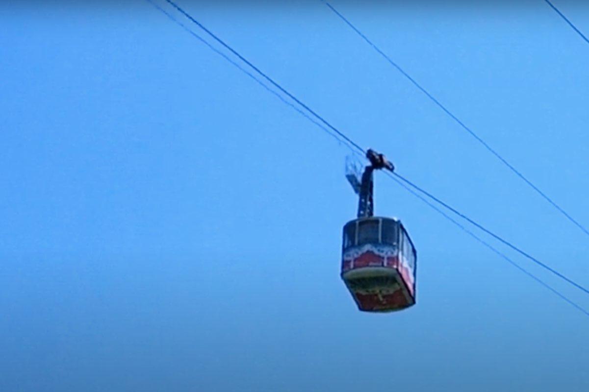 Vânt puternic în Bucegi. Transportul pe cablu, de la Cota 2000, întrerupt