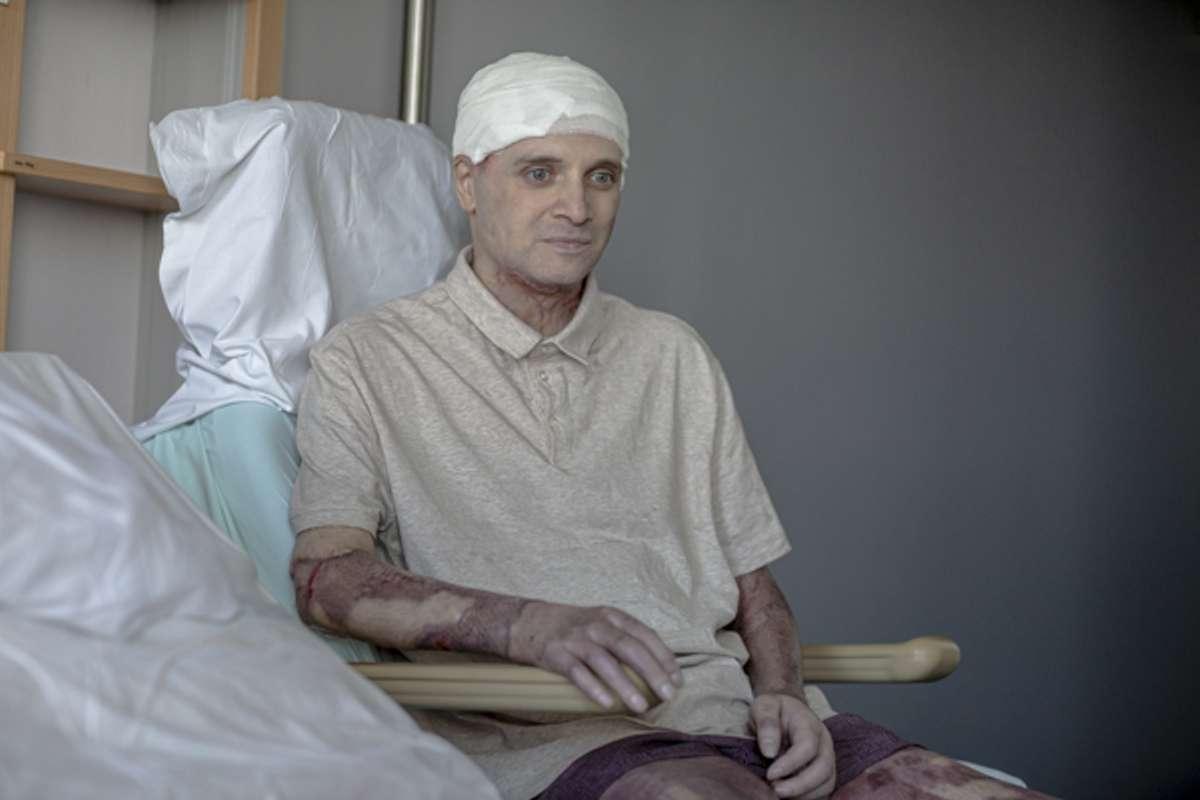 Medicul Cătălin Denciu, primele declarații după ce a fost rănit în incendiu. foto: Vincent Bordignon, beldefnews.mil.be