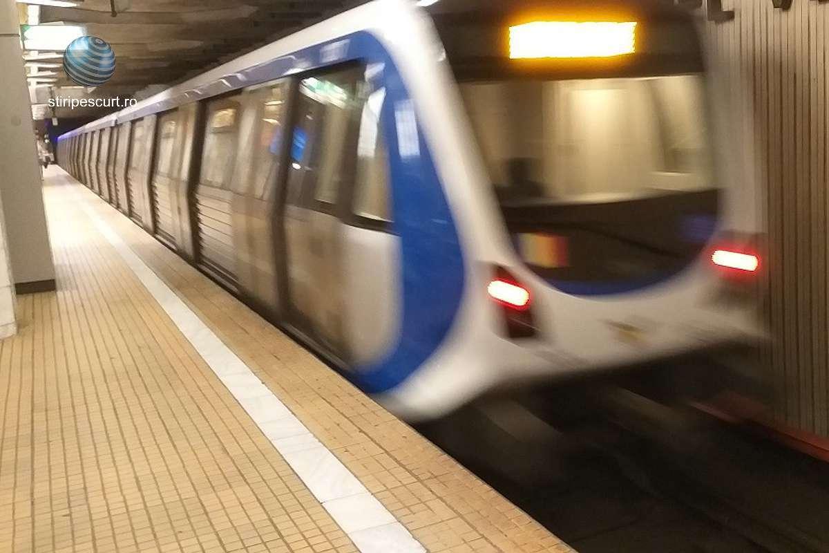 O adolescentă a căzut, accidental, pe șine, în fața metroului, la Piața Unirii. Din fericire, fata nu are răni grave