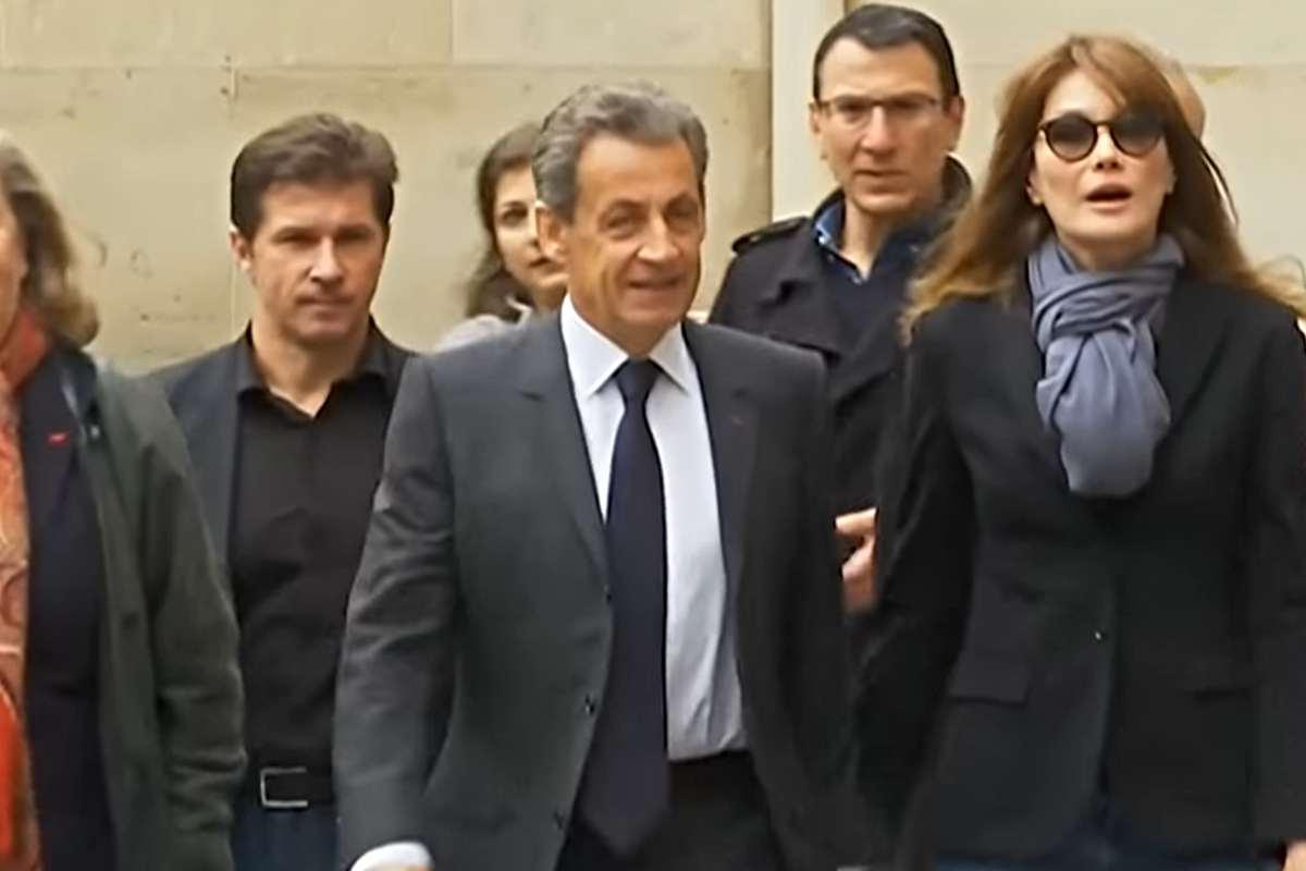 Nicolas Sarkozy a fost condamnat luni la trei ani de închisoare - dintre care unul cu executare