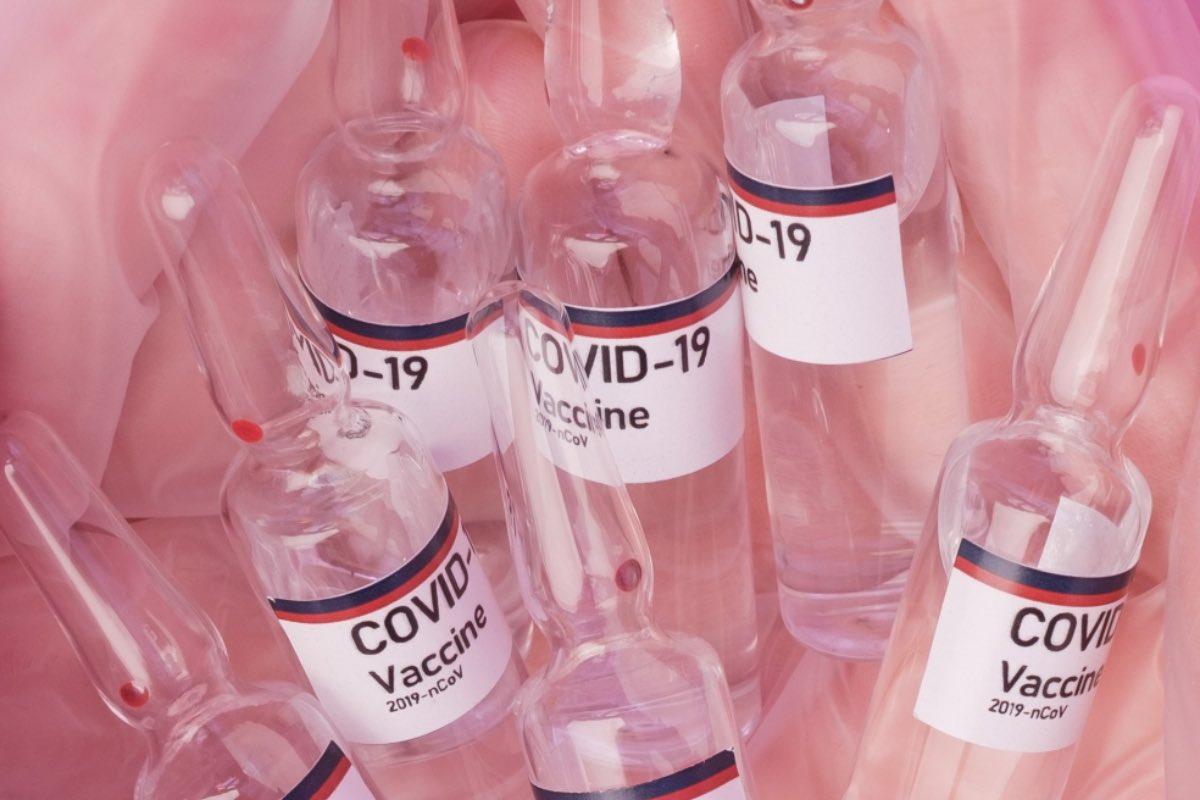 Aproape 50.000 de români, vaccinați anti-COVID în ultimele 24 de ore