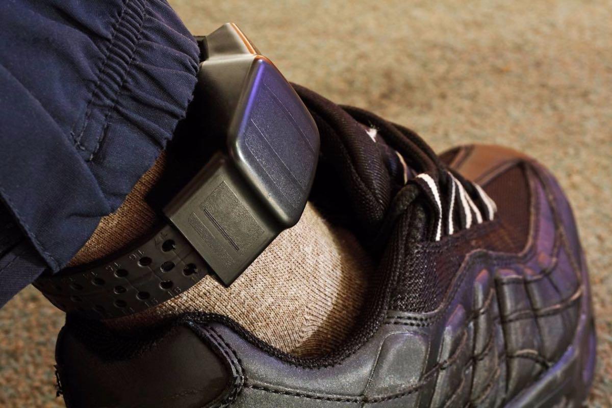https://www.wklaw.com/wp-content/uploads/2017/05/house_arrest_home_confinement_ankle_bracelet.jpg